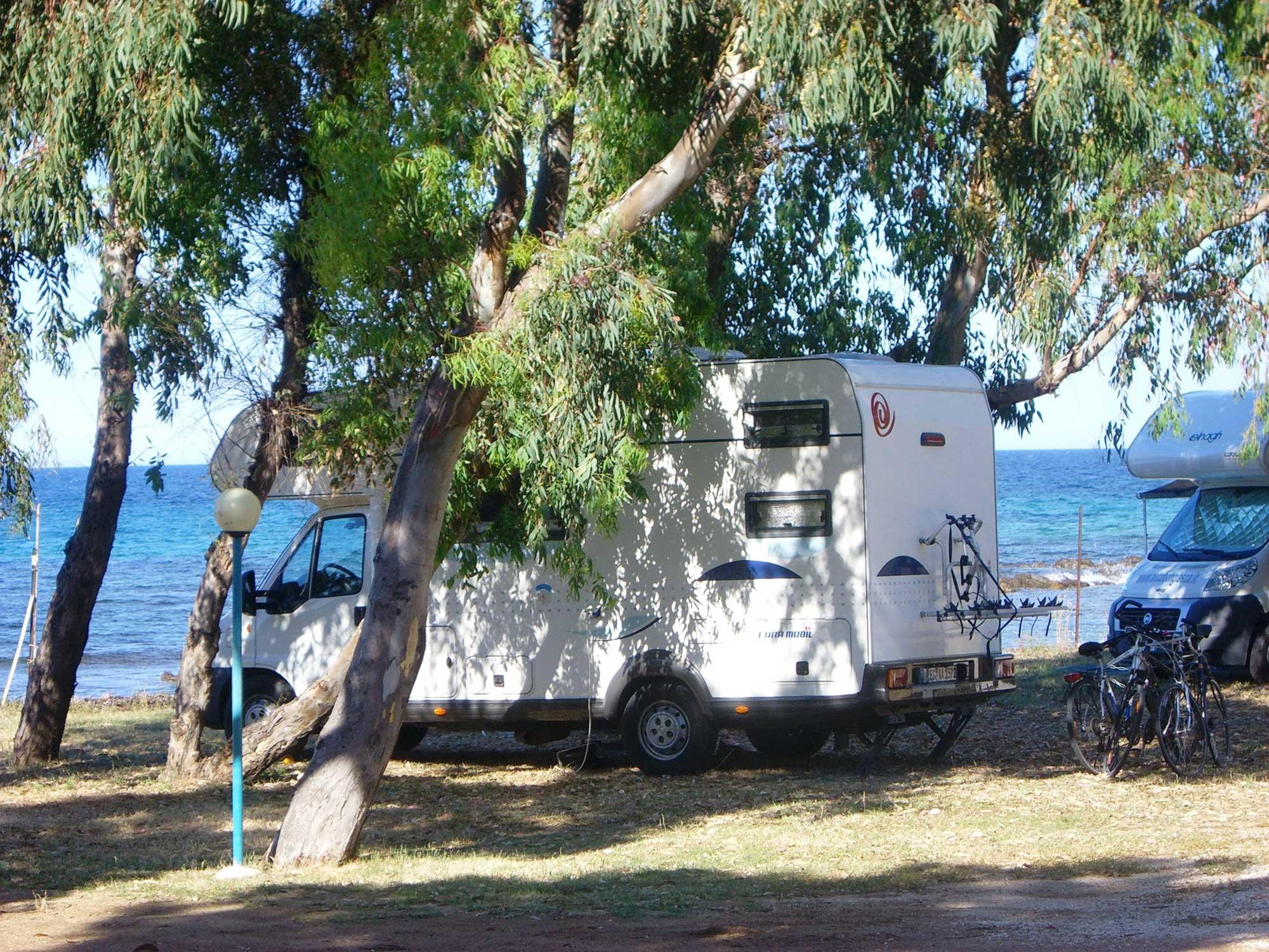 campingplatz sardinien san teodoro camping am meer san teodoro. Black Bedroom Furniture Sets. Home Design Ideas